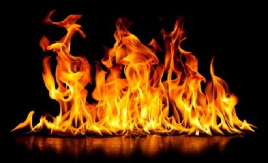 اصابتان اثر حريق بسيط في أحد المولات بإربد