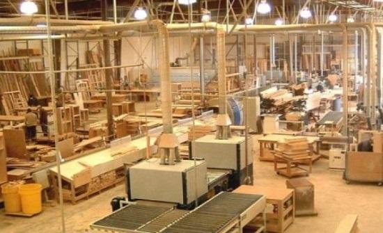 ممثل الصناعات الخشبية والأثاث يبحث خطة عمل للنهوض بالقطاع