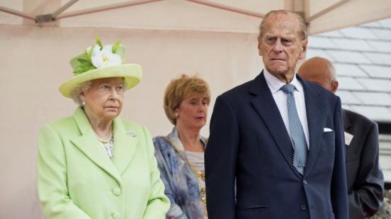 """كلمة تقدير من الملكة إليزابيث للأمير فيليب.. """"مصدر قوتي"""""""