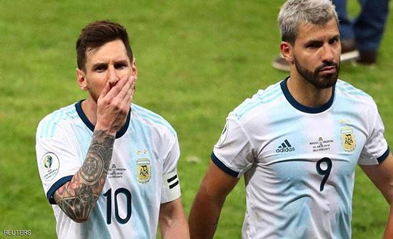 """ميسي يندد بـ""""هراء"""" حكم مباراة البرازيل.. ويطالب بفعل شيء"""