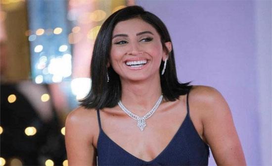 """دينا الشربيني: """"لما الخيانة تيجي من أقرب ناس"""" وهجوم على عمرو دياب .. فيديو"""
