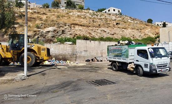 بلدية السلط ترفع 260 طن نفايات في أول أيام عيد الأضحى
