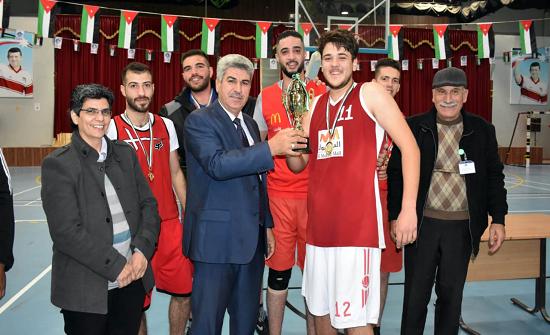 جامعة إربد الأهلية بالمركز الأول للذكور والزيتونة للاناث في لعبة كرة السلة