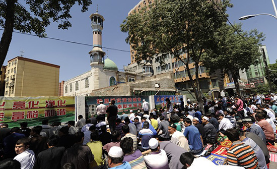 """BBC: الصين تشدد قبضتها """"الإعلامية"""" على تركستان الشرقية"""