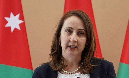 وزيرة الصناعة والتجارة تلتقي وفدا تجاريا سوريا