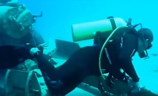 غطاسو الدفاع المدني ينفذون حملة نظافة لأعماق خليج العقبة