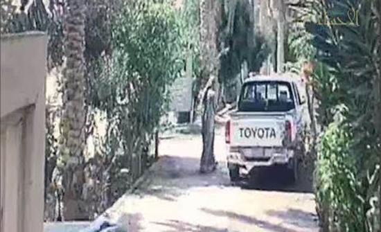 بالفيديو: لحظة سرقة سيارة من مقبرة بالسعودية
