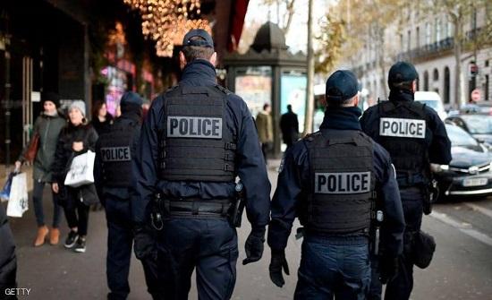 فرنسا تعتقل 3 ناشطات ألصقن رسوماً كاريكاتورية للنبي محمد