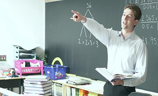 النعيمي: إعادة صرف علاوة الرتب للمعلمين بداية 2021