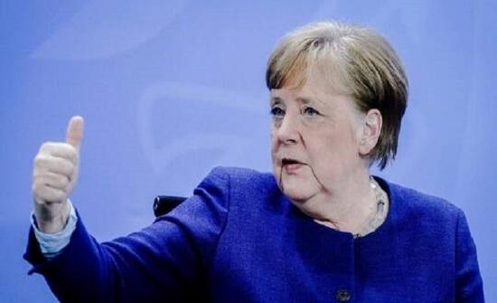 ميركل: لقاحات كورنا التي يعمل الاتحاد الأوروبي على تطويرها ستوزع في جميع أنحاء العالم
