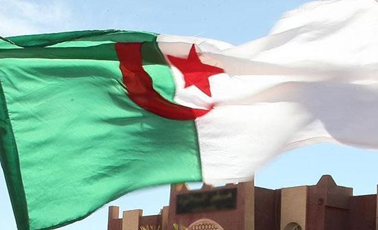 الجزائر.. الحراك يعود مجددا للمطالبة بالتغيير رغم كورونا .. بالفيديو