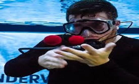 """فيديو  ساحر ينفذ 20خدعة تحت الماء في 3دقائق ويدخل موسوعة """"جينيس"""""""