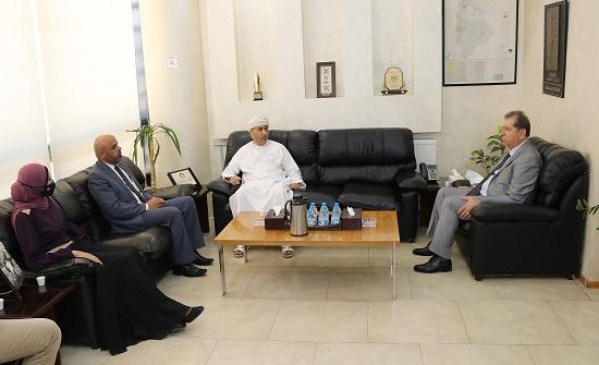 """مباحثات بين """"عمان العربية"""" والملحقية الثقافية لسلطنة عُمان"""