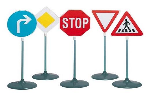 إدارة السير: الالتزام بالشواخص المرورية يجنب الحوادث