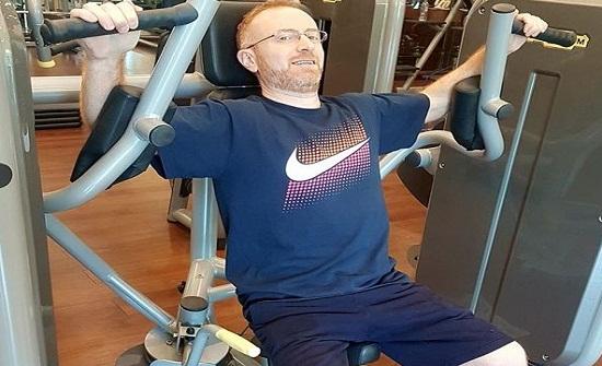 بالصور- مصطفى الخاني يستعرض لياقته البدانية في النادي الرياضي بعد عمرو دياب