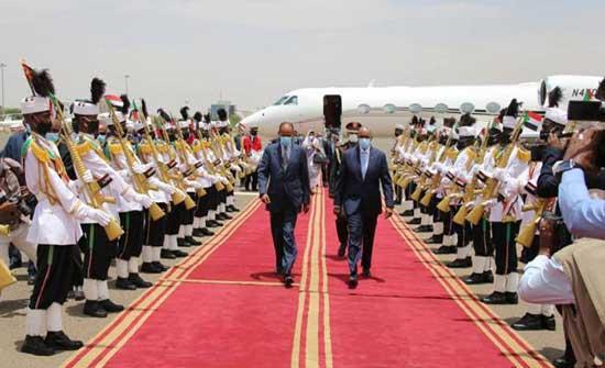 الرئيس الإريتري في السودان لبحث أزمة سد النهضة