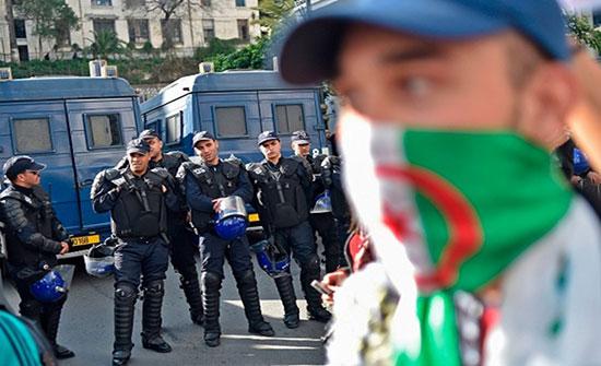 مواجهات بين الشرطة ومتظاهرين معارضين للانتخابات في الجزائر