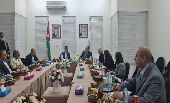 السفير الأميركي يطلع على الفرص الاستثمارية الواعدة في إربد