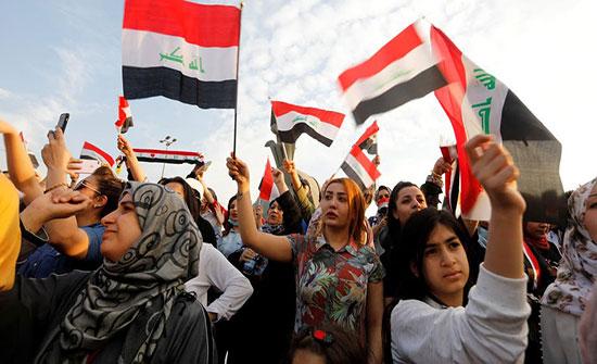 بغداد.. ساحة التحرير بلا كهرباء وبغاز مسيل للدموع