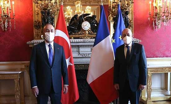 وزيرا خارجية تركيا وفرنسا يبحثان العلاقات الثنائية ومسائل إقليمية