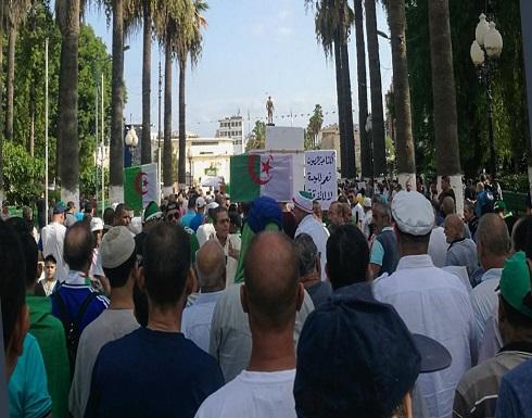 شرقا وغربا.. آلاف الجزائريين يتظاهرون ويهتفون بخمسة مطالب