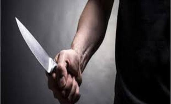 القبض على شخص طعن سيدة في محافظة الزرقاء وسرق مبلغاً مالياً منها