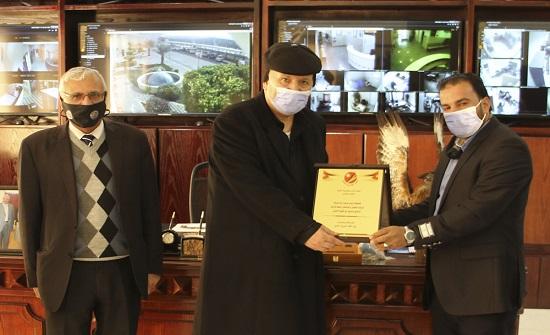 منتدى الهاشمية الثقافي يكرم رئيس مجلس إدارة شركة الزرقاء للتعليم والاستثمار