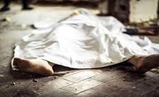 العثور على جثة أربعيني في حديقة منزله بعد اختفائه لمدة يومين في بلد عربي