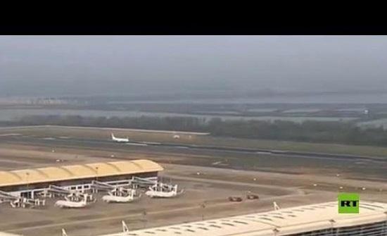 بالفيديو: إقلاع أول طائرة من ووهان بعد 76 يوما من الإغلاق