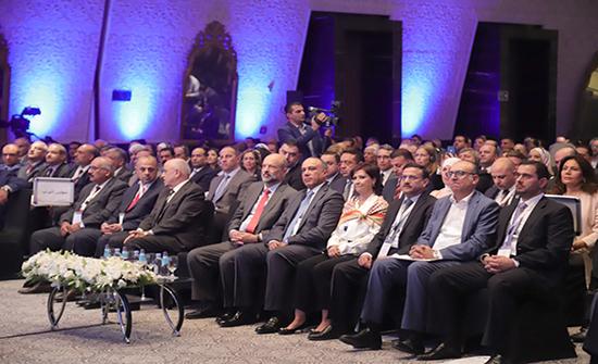 مندوبا عن الملك...الرزاز يفتتح المنتدى الاقتصادي الأردني الثاني