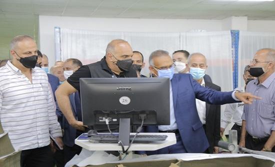 رئيس الوزراء يزور معبر جابر ويوعز بإجراءات لإعادة تشغيله بكامل طاقته