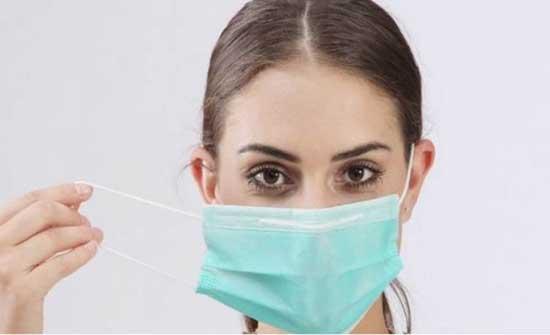 الصحة : لا قرار بالسماح لمتلقي اللقاح من عدم ارتداء الكمامة والتجول بحرية
