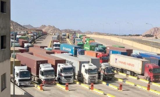 مطالب بدعم قطاع الشاحنات وإعادة النظر بالحجر المؤسسي للسائقين