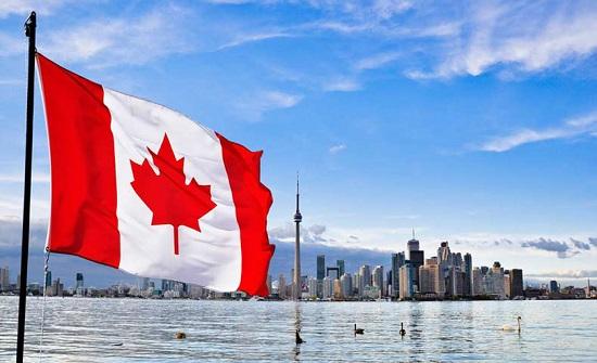 انكماش الاقتصاد الكندي للشهر الثاني على التوالي