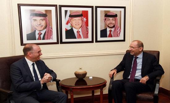 الصفدي يبحث مع وزير الماني العلاقات الثنائية والقصايا الإقليمية