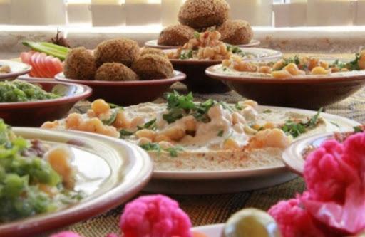 حمادة : إلغاء حظر الجمعة حسن الطلب على المطاعم والحلويات