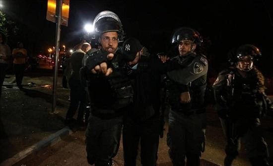 """القدس.. إصابة مسن فلسطيني بهجوم لمستوطنين بـ""""الشيخ جراح"""""""
