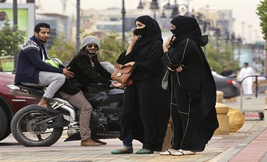 فيديو تحرّش يهزّ السعودية وضجة واسعة من المقطع الذي انتشر كالنار في الهشيم!