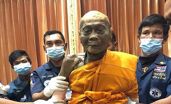 انتشار صور لجثة راهب بوذي تايلندي المحنطة