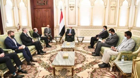 مباحثات يمنية أميركية لمواجهة التدخلات الإيرانية