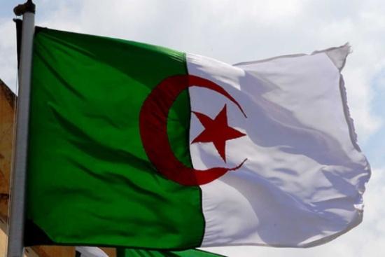الجزائر ترفع درجات التأهب بعد تسجيل إصابة بالكورونا