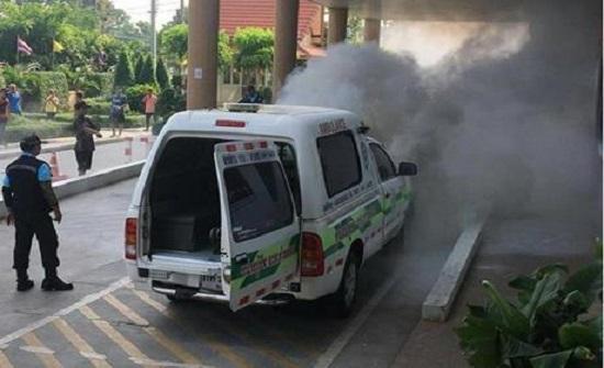 تايلند: لحظة انفجار أسطوانة أكسجين في سيارة إسعاف تنقل مريضا... فيديو