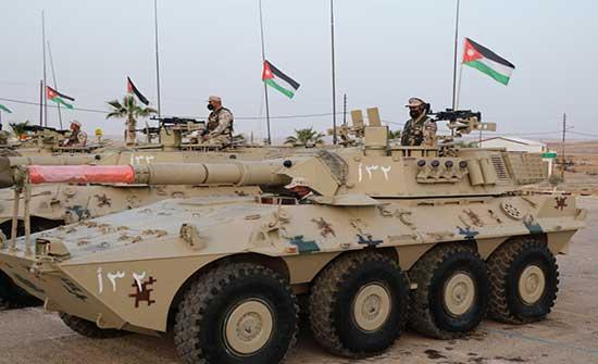 اللواء المدرع 60 يحتفل باستلام دبابة السينتارو