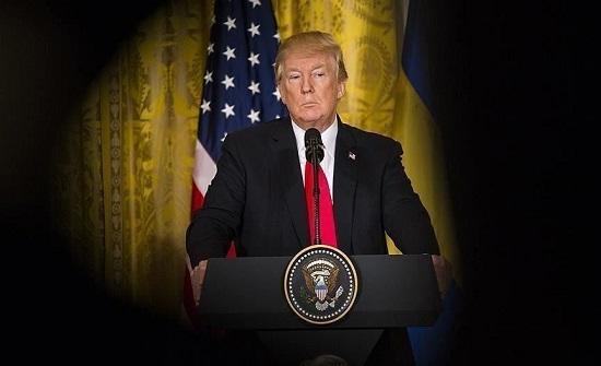ترامب: سأغادر البلاد حال فوز أسوأ مرشح في التاريخ