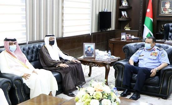 الحواتمة يلتقي مدير الأمن العام القطري