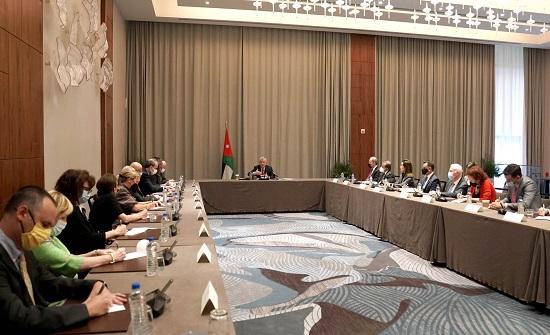 الملك: أهمية البناء على المواقف الإيجابية للولايات المتحدة والاهتمام الدولي لإعادة إطلاق عملية السلام