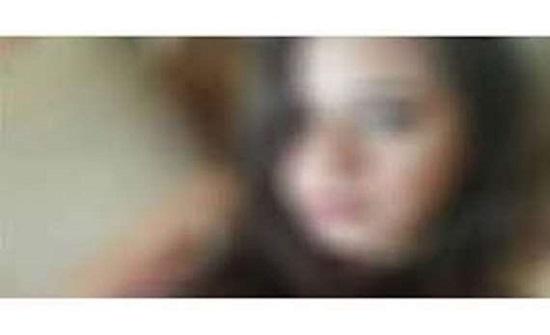 بريطانيا : طعنت خطيبها  ... لانه ارسل لها في عيد ميلادها ولم يتصل بها