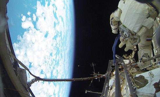 روسيا: نجاح إطلاق 34 قمرا صناعيا إلى الفضاء