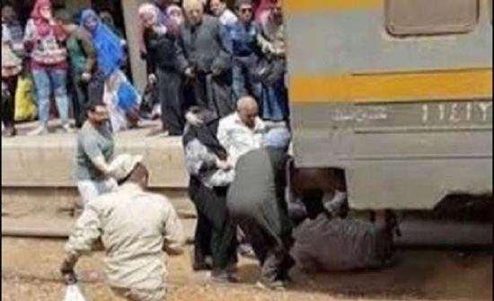 مصر.. حبس المتهم بإلقاء أبنائه الثلاثة أمام القطار 4 أيام وعرضه على طبيب نفسي