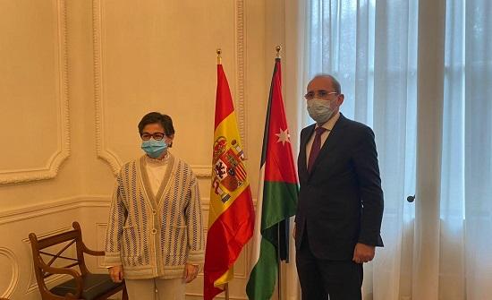 وزير الخارجية يجري مباحثات مع نظيرته الاسبانية